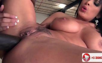 Filme de sexo completo em HD com negão arrombando peituda