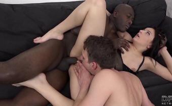 Sexo corno liberando esposa pra dar cu pro vizinho
