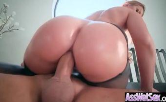 Sexo anal video de loira com bunda grande trepando